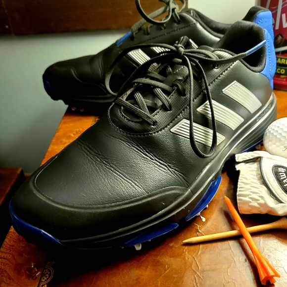 Adidas golf shoes/spikes/cleats size 9 m